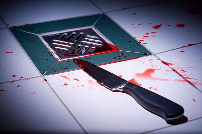 Проводится спецоперация: Полицейский вСтокгольме получил удар ножом вшею