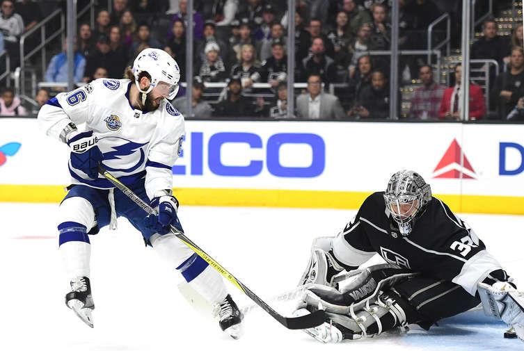 Шайбы Кучерова иНаместникова помогли «Тампе» одолеть  «Лос-Анджелес» вматче НХЛ