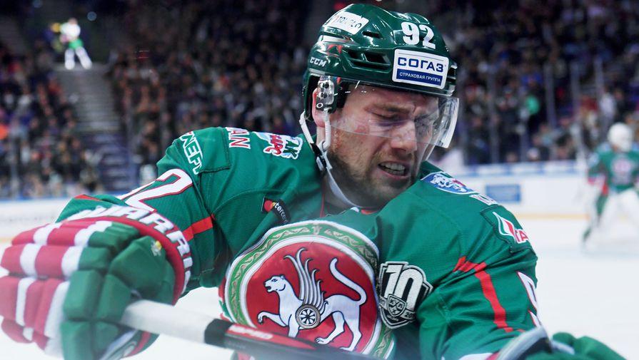 «Авангард» разгромил действующего победителя Кубка Гагарина впервом матче серии