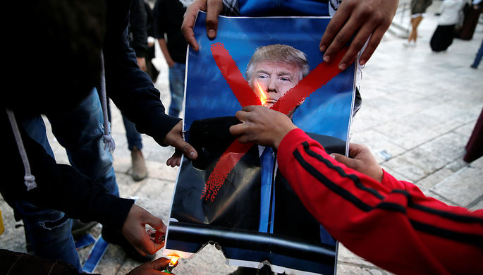 Запрет Трампа на заезд беженцев частично отменили вСША