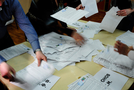 По итогам подсчета почти всех бюллетеней, Владимир Путин побеждает в первом туре