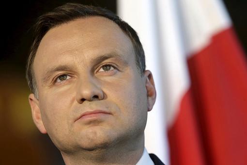 Польшу отшили от участия в переговорах по Украине... с подачи Порошенко. .