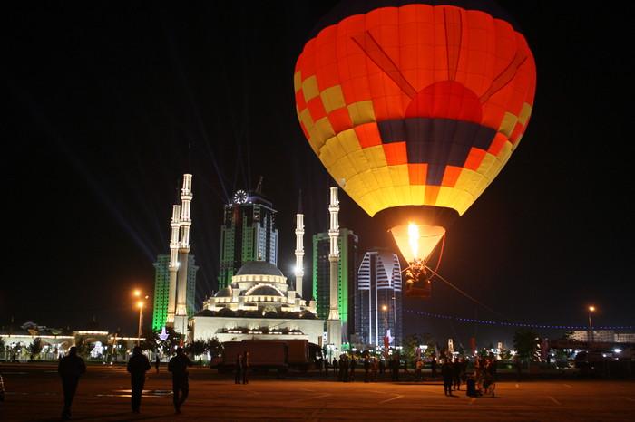 """В чеченской столице открылся высотный комплекс """"Грозный-Сити"""""""