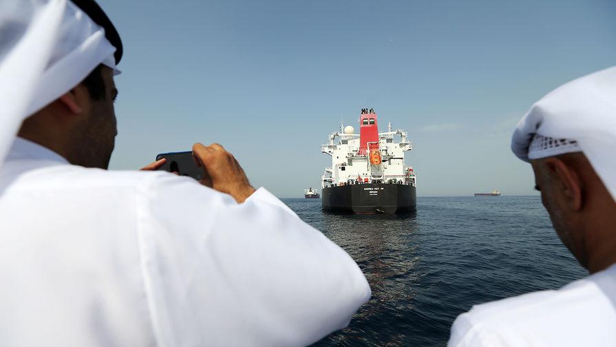 Освобожденный в Гибралтаре танкер покинет порт с новым названием