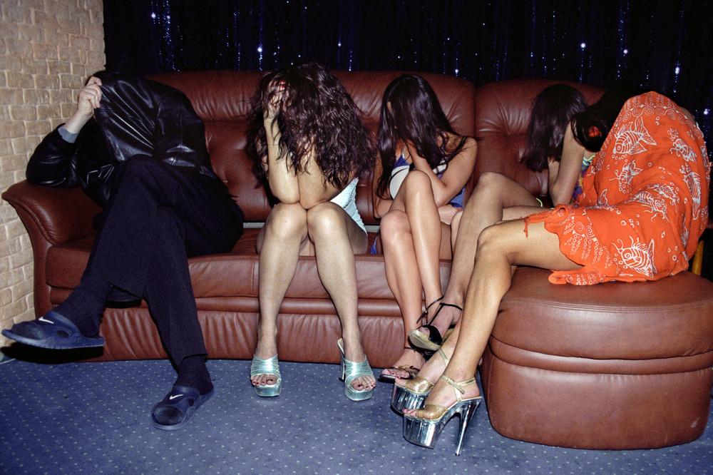 Где стоят реальные. В Азербайджане задержаны десятки проституток из