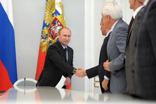 Путин встретился с парламентариями