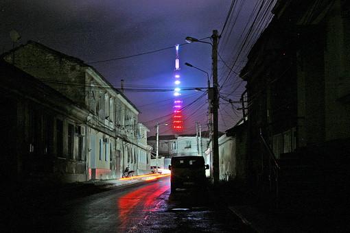 Неработающее уличное освещение на улицах города Симферополя