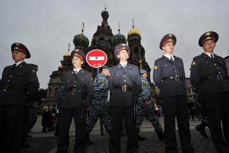 Оппозицию разорвали крылья Питерские оппозиционеры проведут 15 сентября три автономных мероприятия