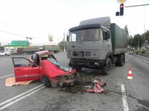 Бобслеист попал под грузовик