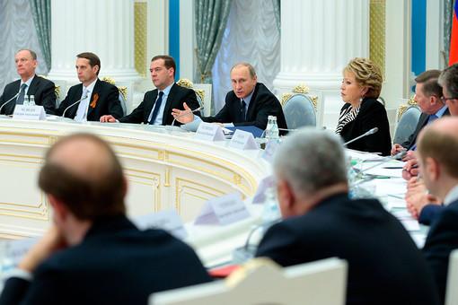 Президент РФ Владимир Путин провел совещание по исполнению «майских указов»
