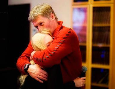 Дмитрий Песков с дочерью Елизаветой. Источник: instagram.com/stpellegrino/