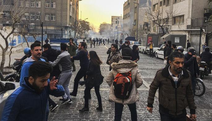 Меры безопасности у русского посольства вТегеране усилены из-за протестов