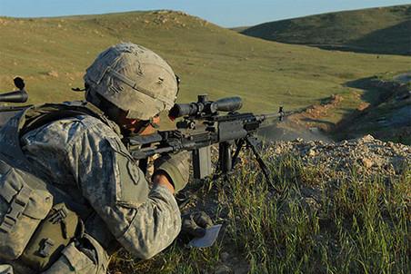 Американцев из «Аль-Каиды» можно убивать без суда, говорит генпрокурор США