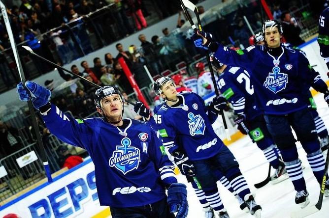 «Северсталь» переиграла вгостях «Адмирал» вматче КХЛ