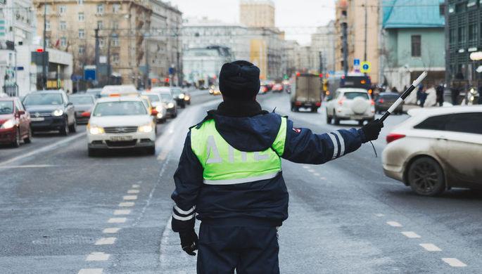 Светерком. В столице России шофёр протащил инспектора ГИБДД надвери автомобиля
