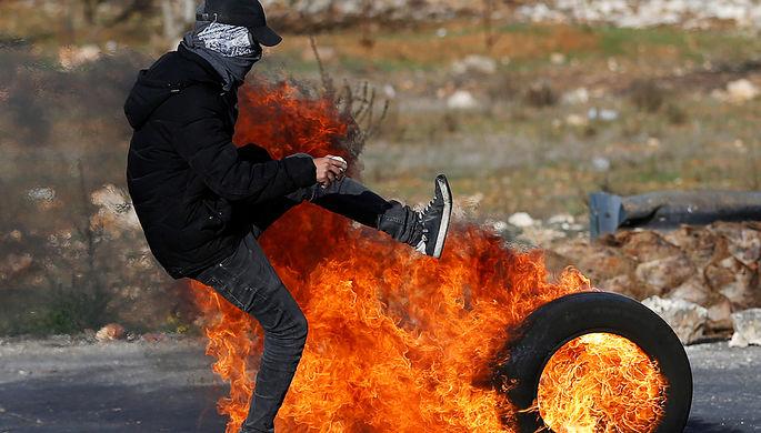 Израиль легализует поселенческий форпост наЗападном берегу после убийства там раввина