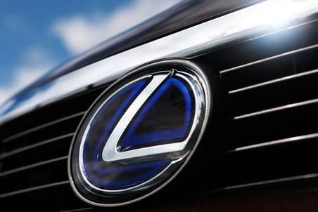 Лучшими автомобилями в США названы Lexus и MINI