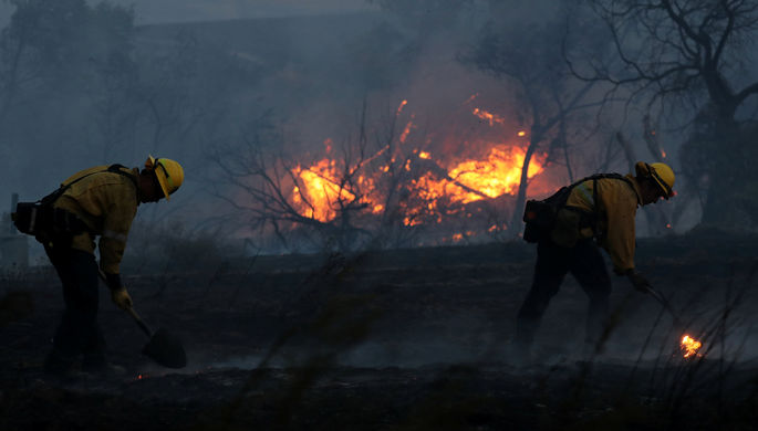 Власти Калифорнии оценили убытки отлесных пожаров в1 млрд долларов