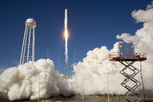 Запуск ракеты Antares