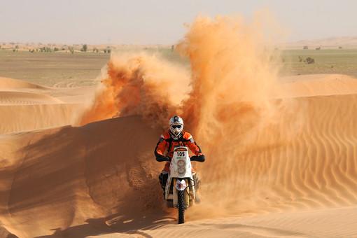 "Жестокие жаркие горы: На ралли ""Дакар-2013"" погиб французский гонщик"