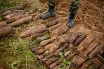 О работе копателей «по войне» рассказал «Газете.Ru» автор документальных фильмов о военной археологии Дмитрий Бурлачков