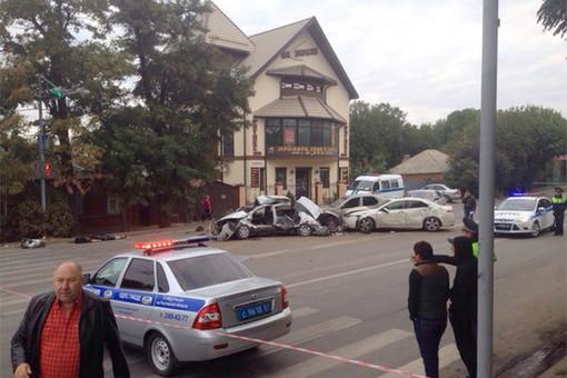 В Ростове бронеавтомобиль «Тигр» протаранил несколько машин: двое погибли