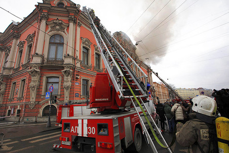 The famous palace of Beloselskie – Belozerskie in Saint-Petersburg caught fire