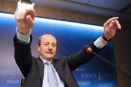 Христо Тахчиди восстановили в должности и. о. директора МНТК «Микрохирургия глаза» и тут же уволили
