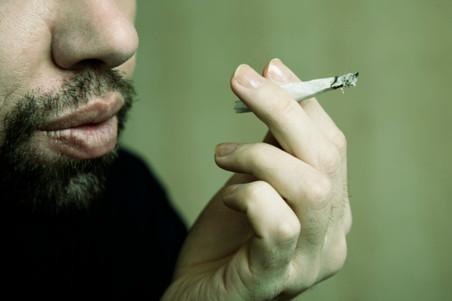 Ученые выяснили, к чему приводит употребление марихуаны в юности