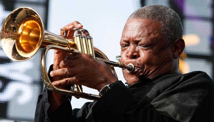 ВЮАР скончался пионер южноафриканского джаза Хью Масекела