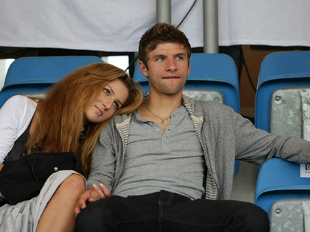 Томас Мюллер и его жена Лиза