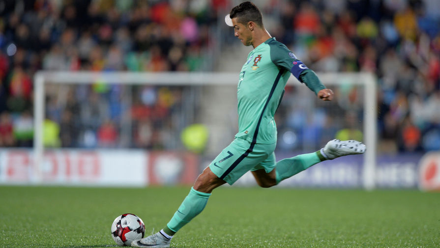 Сборная Португалии сРоналду прилетела в РФ начемпионат мира