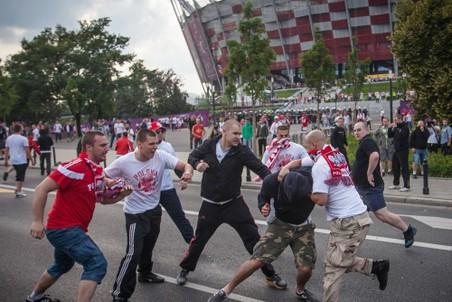 Один из случаев хулиганства в день матча Польша— Россия