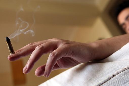 На подростков наркотики влияют сильнее, доказали ученые