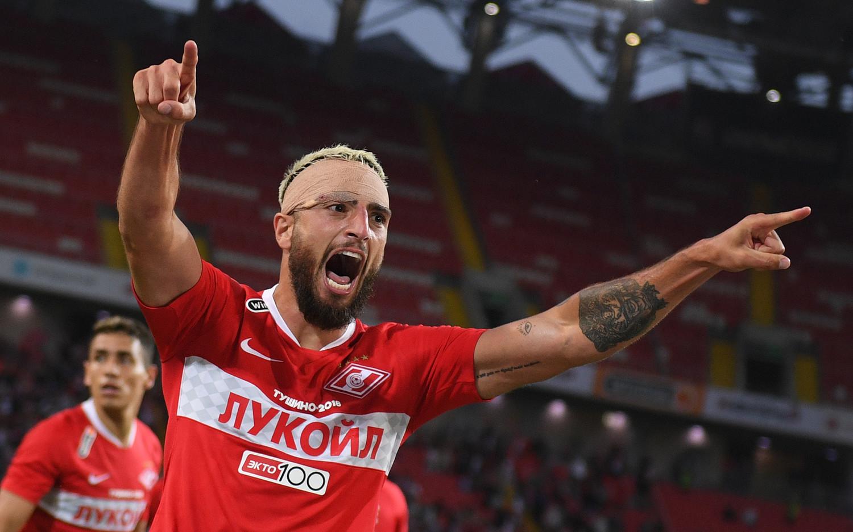 Самуэль Жиго празднует победный гол в матче с «Сочи»