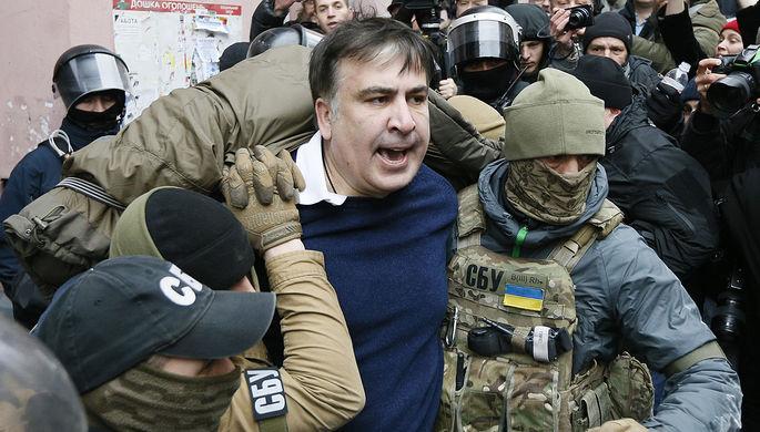 Освобожденный любителями Саакашвили повел толпу всторону Рады