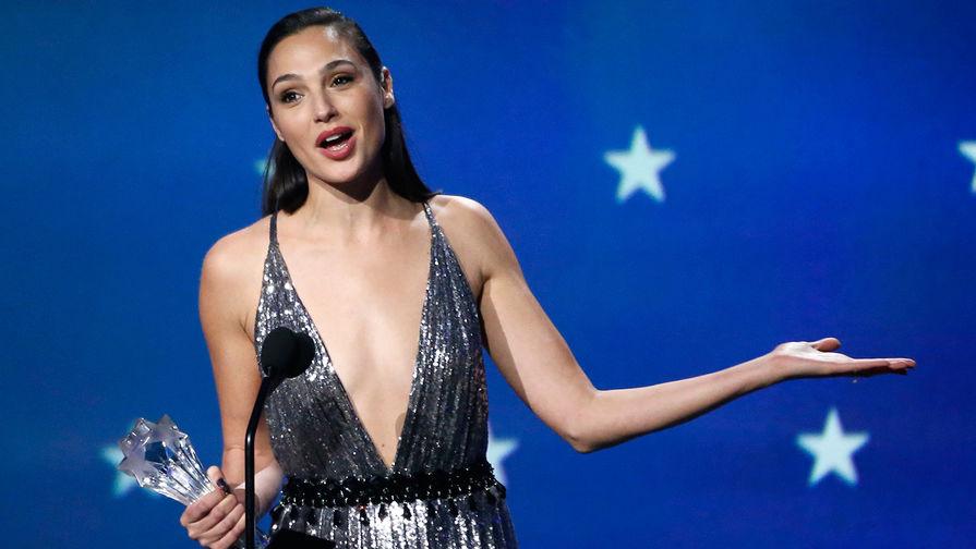 «Чудо-женщина» Галь Гадот отвергла приглашение вести «Евровидение-2019»