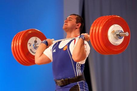 На ЧЕ-2012 российские тяжелоатлеты завоевали 11 медалей