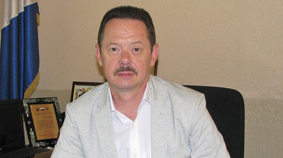 Мэр города Артем Владимир Новиков