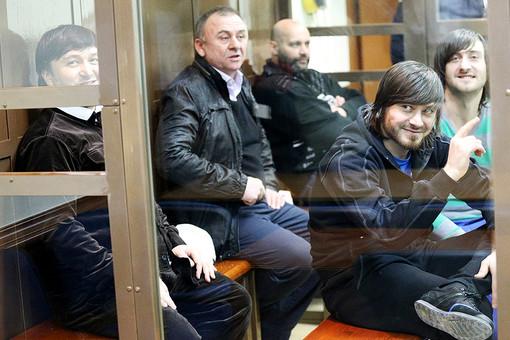 Обвиняемые во время слушаний по делу об убийстве Политковской