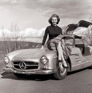 Софи Лорен и крылатый Mercedes-Benz
