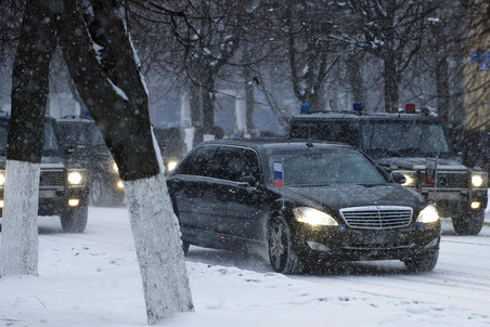 Водитель отказался убирать автомобиль перед проездом кортежа Путина