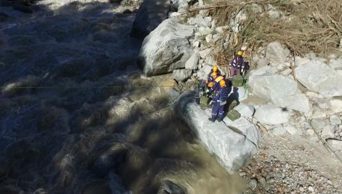 Четверо туристов из РФ попали под камнепад вгорах Киргизии