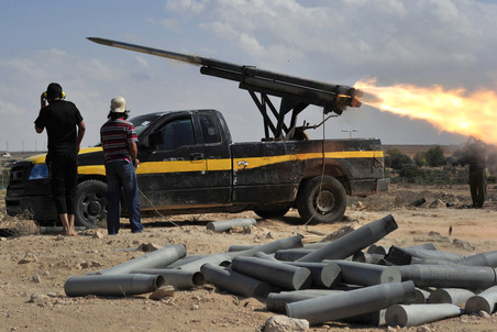 В Триполи россияне, украинцы и белорусы обвиняются в запуске ракет по самолетам НАТО