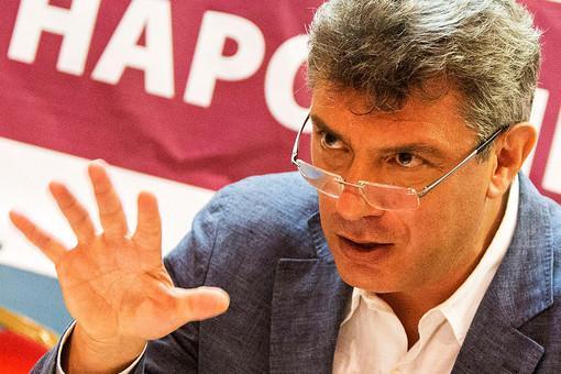 Борис Немцов обвинил ряд российских чиновников в неуплате налогов