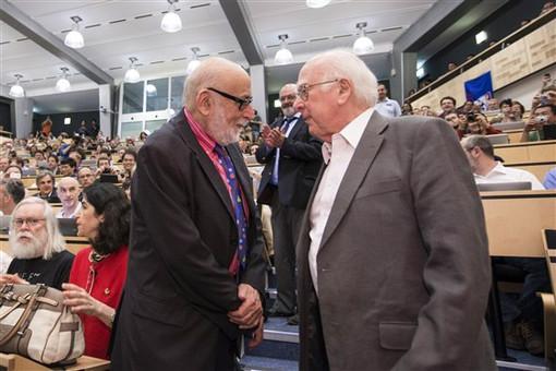 Первая очная встреча Хиггса и Энглера состоялась лишь в 2012 году