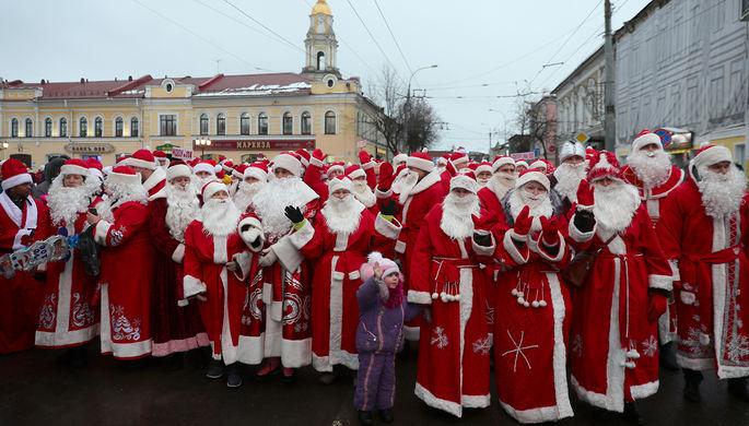 Деды Морозы иСнегурочки вКазани подняли цены насвои услуги