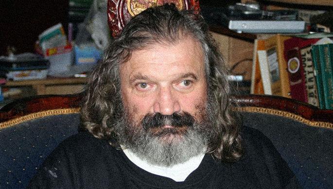 ВПетербурге скончался коллекционер, создатель музея The Beatles Васин