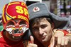 Испанские болельщики совершили набег на сувенирные лавки