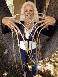 Самые длинные волосы под мышками в мире фото